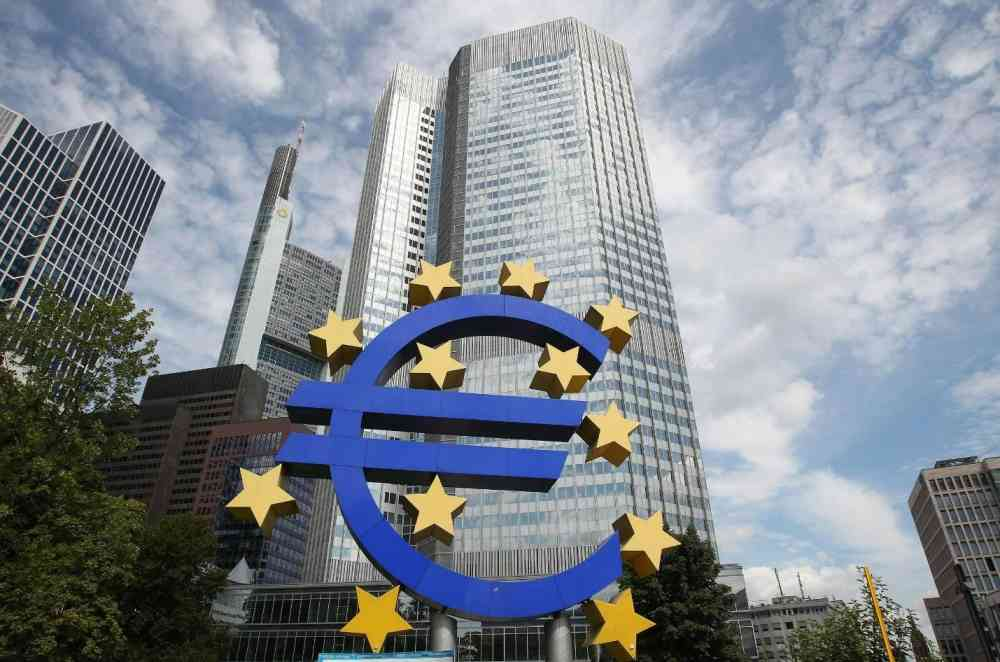 A sculpture of the Euro